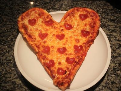 Pizza de pepperoni en forma de Corazón