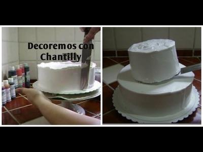 Cómo Rellenar, Cubrir y Montar Un Pastel Muy Sencillo Con Chantilly - Madelin's Cakes
