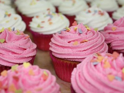 Curso básico: decorar un cupcake, queque o panquecito con frosting. How to make frosting cupcakes