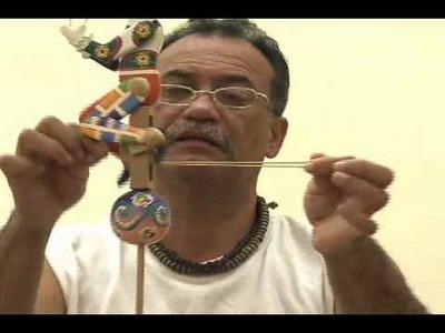 Exposición de juguetes de madera en la embajada de Venezuela en Washington DC.