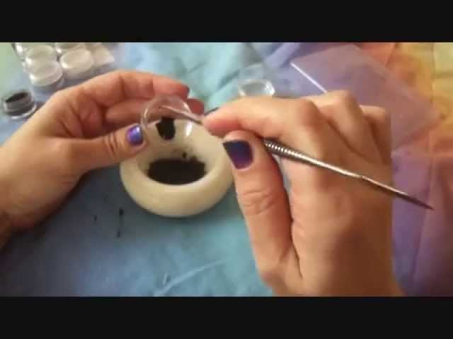 Como hacer eyeliner en gel. How to make gel eyeliner.