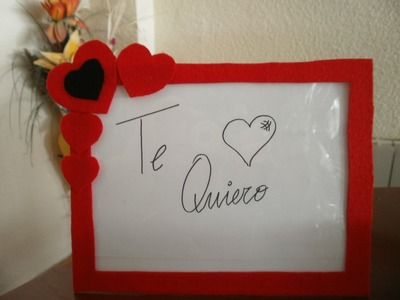 Cómo decorar un marco de fotos para San Valentín | facilisimo.com