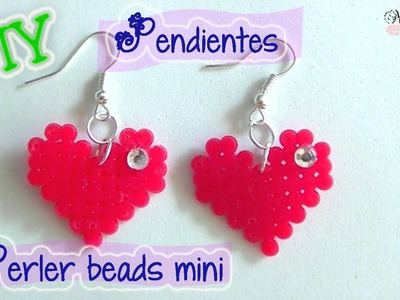 Pendientes de corazón con  perler beads mini. DIY Heart earrings perler beads.
