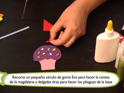 Cómo hacer adornos para lápices : Manualidades para niños en goma Eva