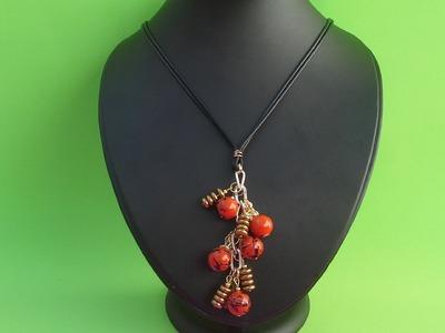 Como hacer un collar con hilo, facil y barato.