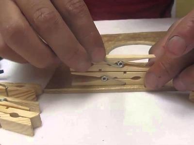 Como hacer una lampara a bace de ganchos de madera