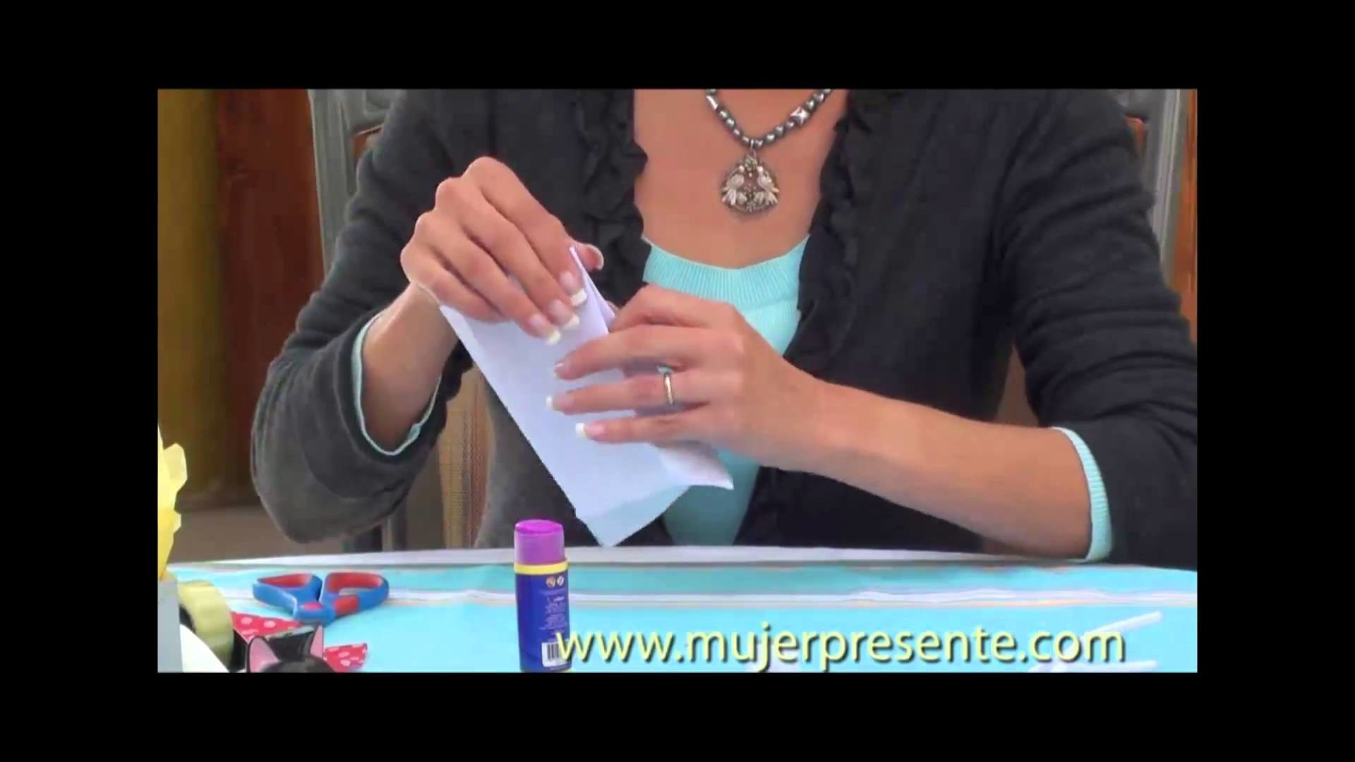 Manualidades con Beatriz Guajardo, Reciclaje de sobres de papel