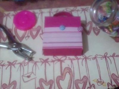 Cajita de regalo tipo maletín