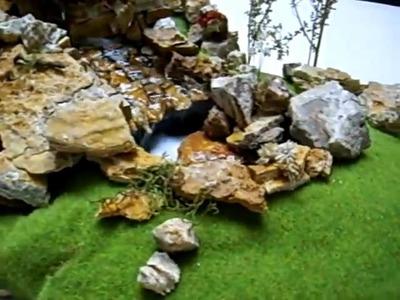 Diorama cascada en miniatura