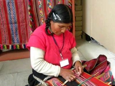 Ruraq Maki: Técnica del telar de cintura, entrevista a tejedora cuzqueña