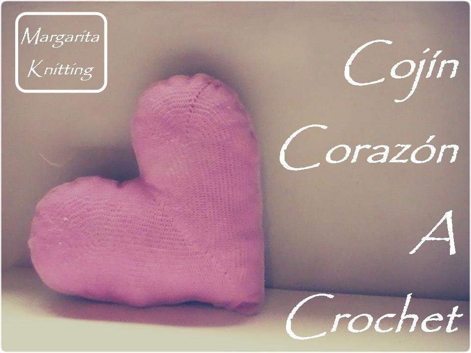 Cojín corazón a crochet (zurdo)