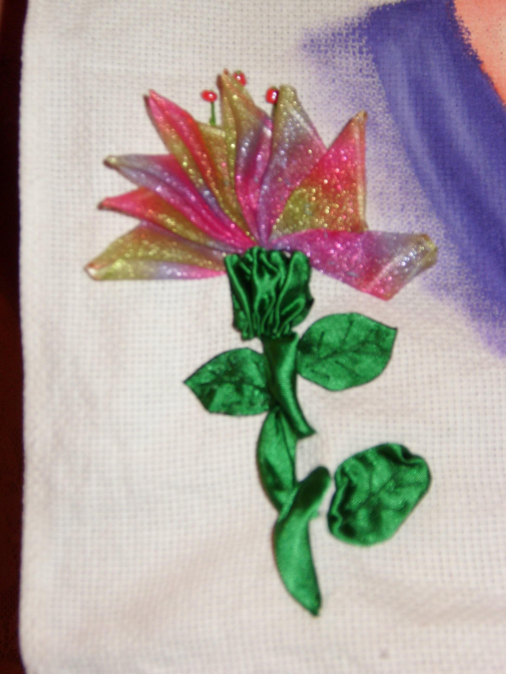 DIY Cómo bordar una hermosa flor en listón.cintas