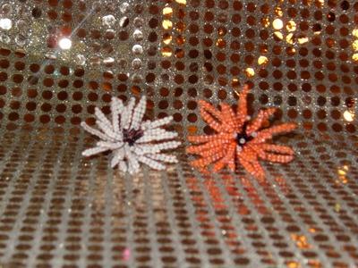 DIY Crisantemo de abalorios, chaquiras o mostacillas