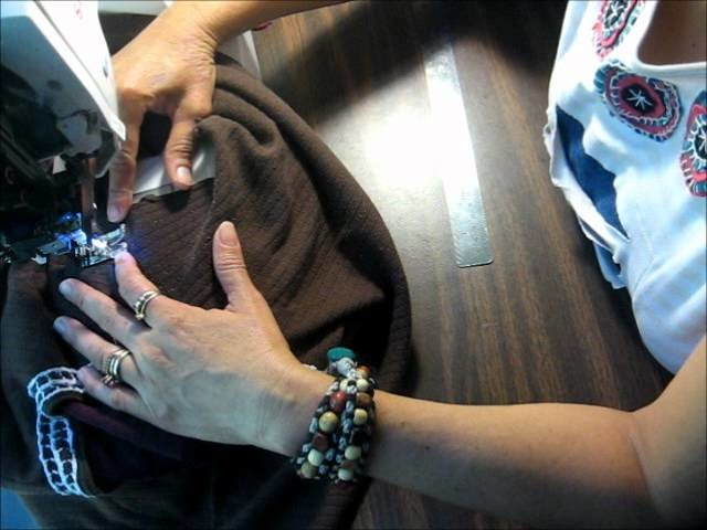 Tutorial como customizar un cuello en una blusa usada.wmv