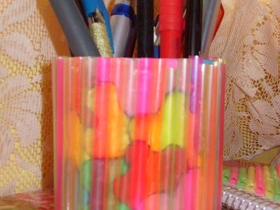 DIY Cómo hacer un porta lápices con popotes
