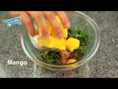 Ensalada de espinacas y mango con atún