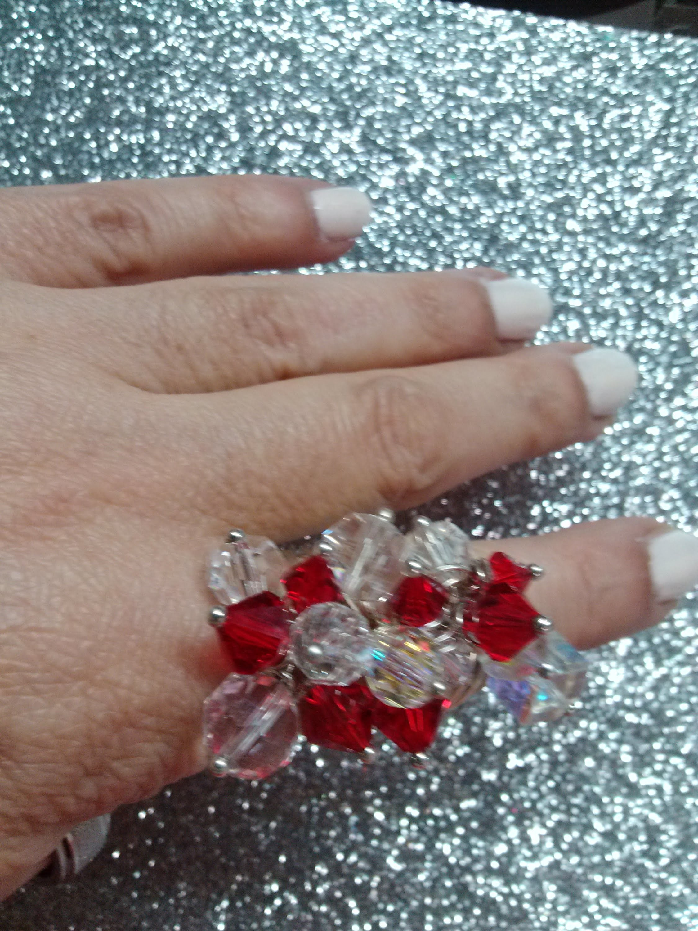 DIY Anillo rojo de cristales. Red crystals ring