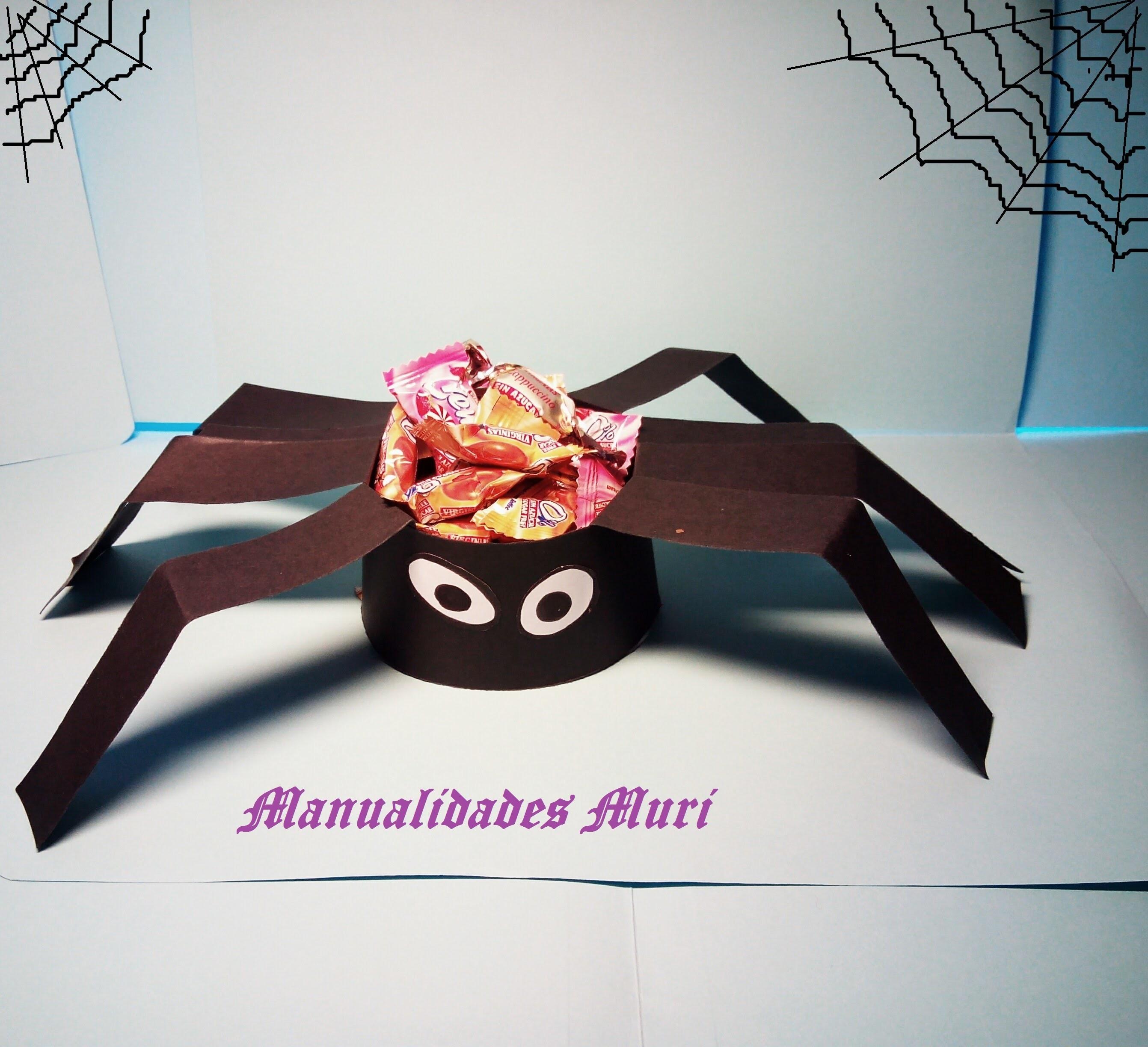 Manualidades. Araña con chucherías para decorar en Halloween, muy fácil