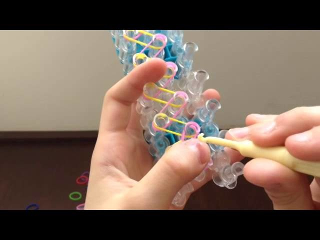 Como hacer pulcera basica Rainbow Loom. Rainbow Loom. muy facil. barbilachula