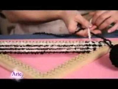 Cómo  tejer una prenda en bastidor triangular