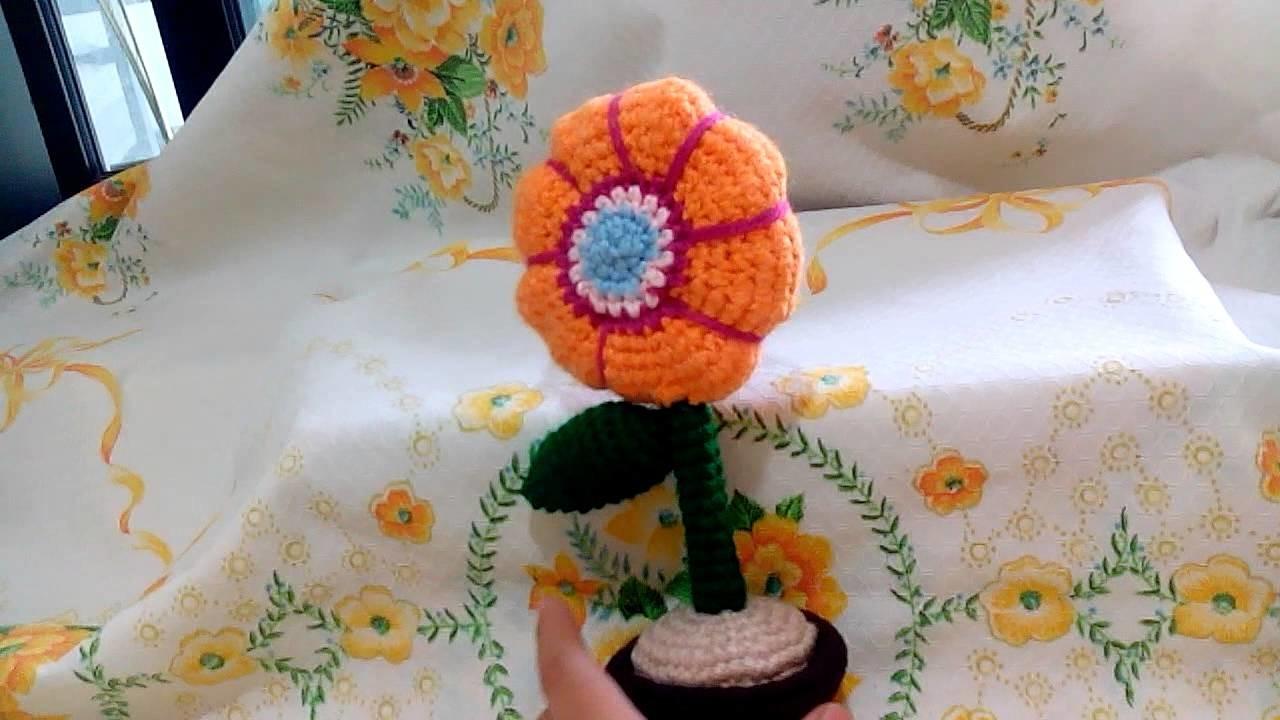 Flor con masetera a crochet amigurumi