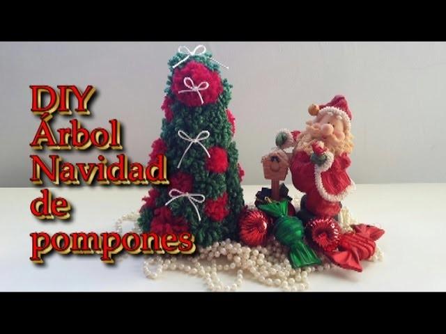 DIY Haz tu propio árbol de Navidad con pompones. Pompoms Christmas tree