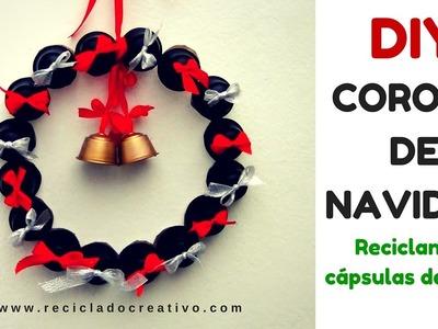 DIY Corona decorativa de Navidad con cápsulas de café recicladas