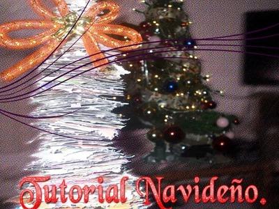 ¿Como hacer un árbol de navidad con material reciclado?.