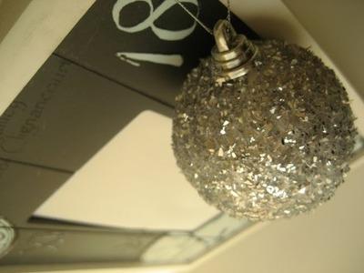 DIY Bolas de navidad con purpurina. Glitter Christmas baubles.