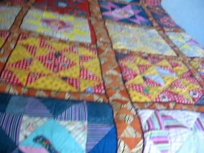 Reciclando ropa usada en colchas para el invierno con especial significado