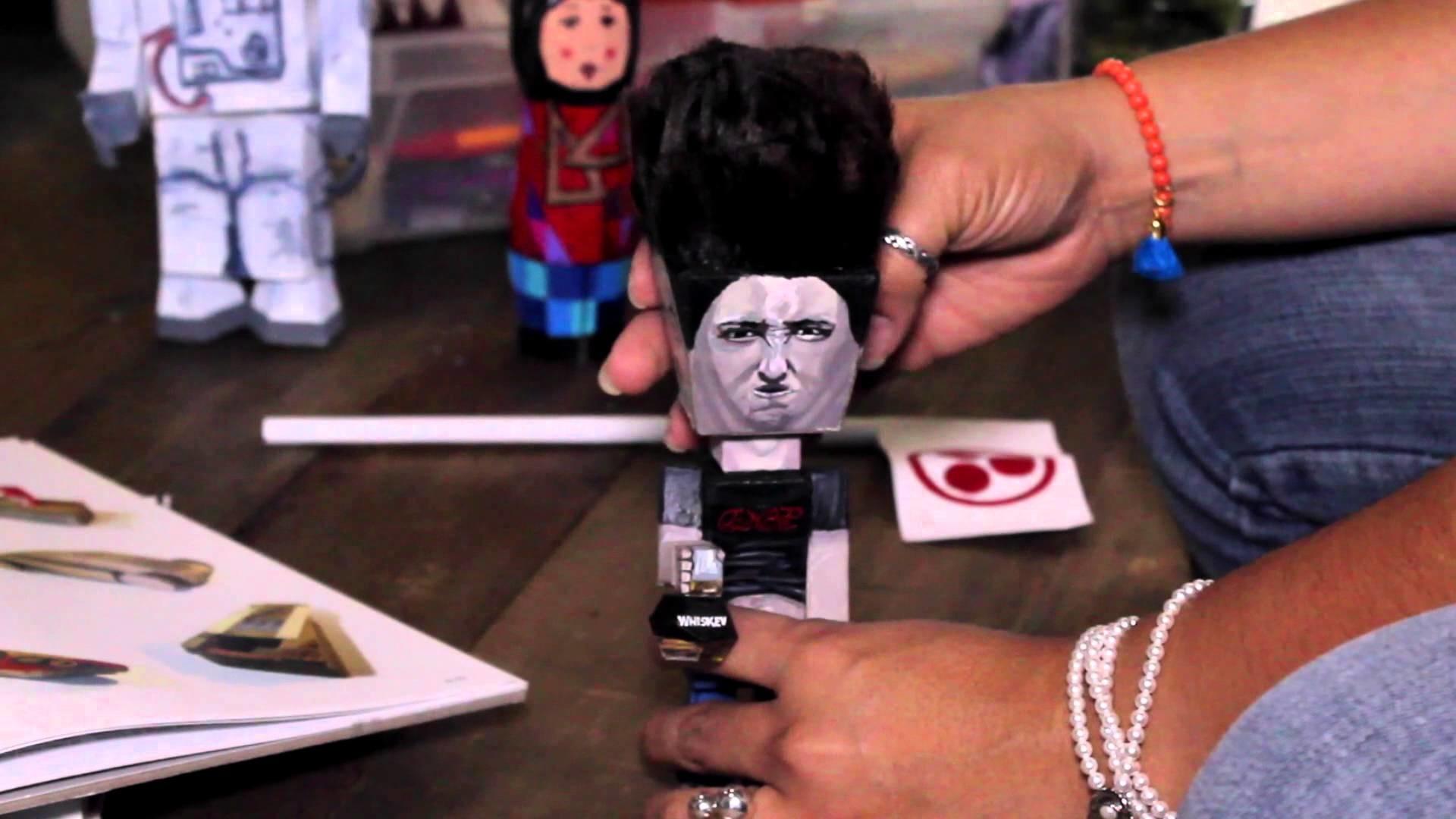 Stephani Sánchez: Paper Toys