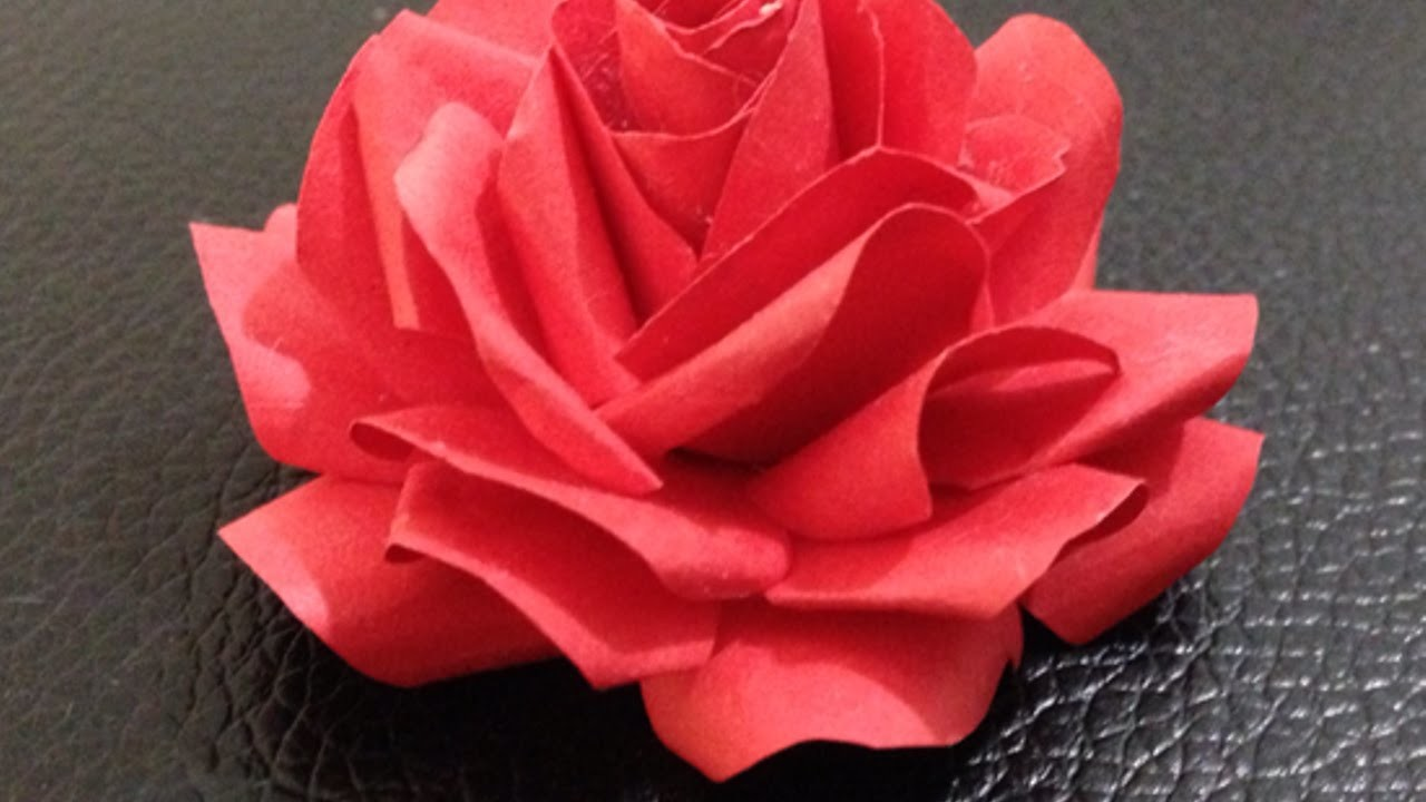 Como hacer una bonita rosa de papel - Hazlo tu Mismo Manualidades - Guidecentral
