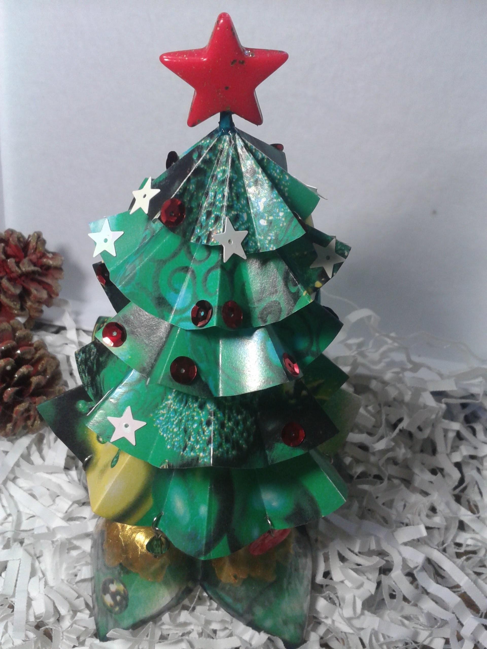 Como hacer un pinito de Navidad de papel. Christmas ornaments
