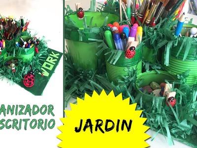 Organizador de escritorio con latas * JARDIN