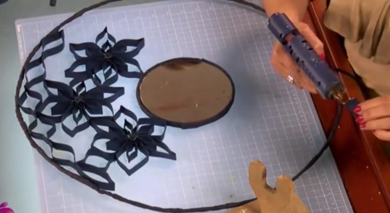 Como decorar un Espejo con Rollos de Papel Higiénico- Hogar Tv  por Juan Gonzalo Angel