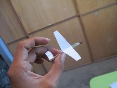 Como Hacer un Avión de Papel Que Vuele Mucho y Lejos
