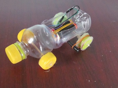 Cómo hacer un coche con botella de plástico  - Coche de juguete