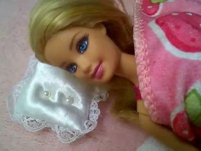 Como hacer Almohada o almohadón mini para muñecas. cojin