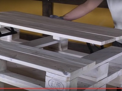 Cómo hacer una mesa de centro elevable con palets | Re-Crea Palets #14