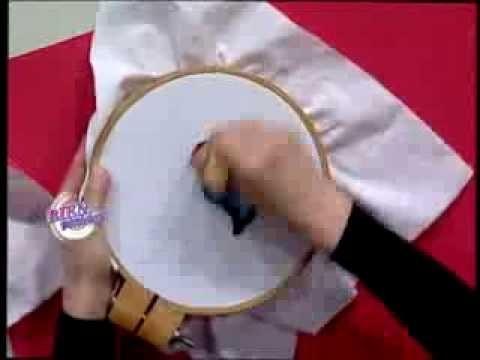 Mónica Somma - Bienvenidas TV - Teje en bordado chino un cisne.