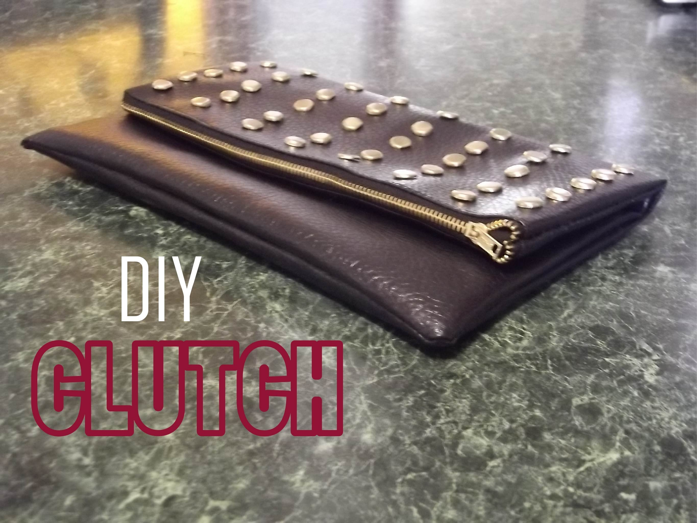 Bolso de mano con tachuelas.Clutch. Hand bag. DIY