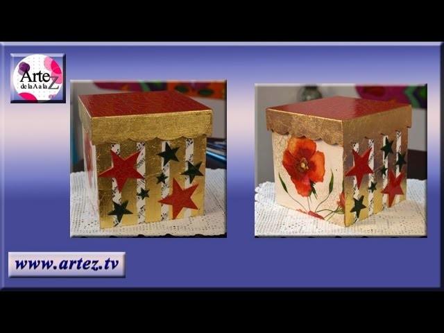 Caja navideña decorada con motivos navideños