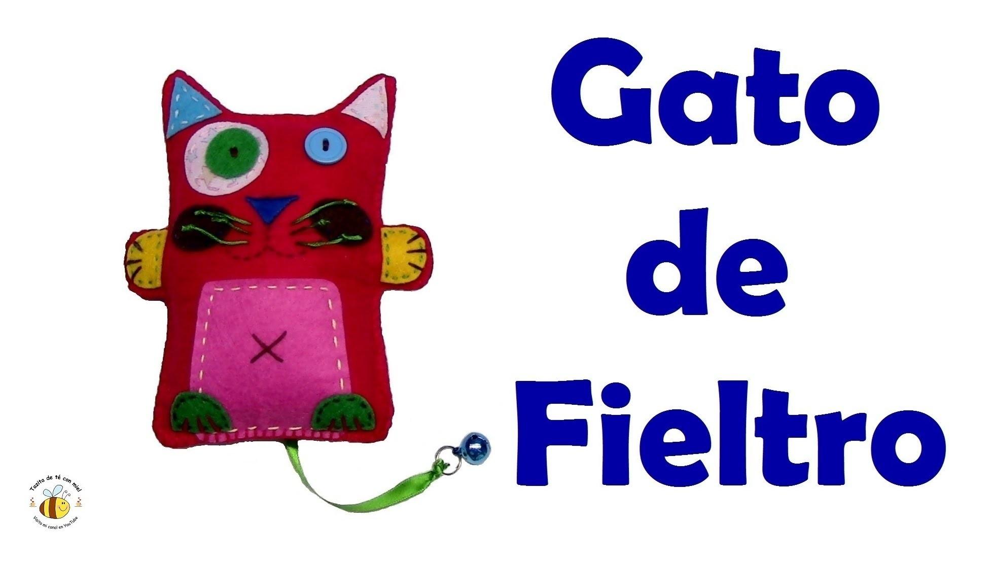 Gato de fieltro.cat craft. manualidades tazitadeteconmiel. Diy