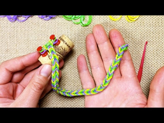 Cómo hacer pulsera de gomas cola de pez (Tutorial DIY)