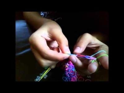TUTORIAL: Como hacer pulseras de ligas, con los dedos.