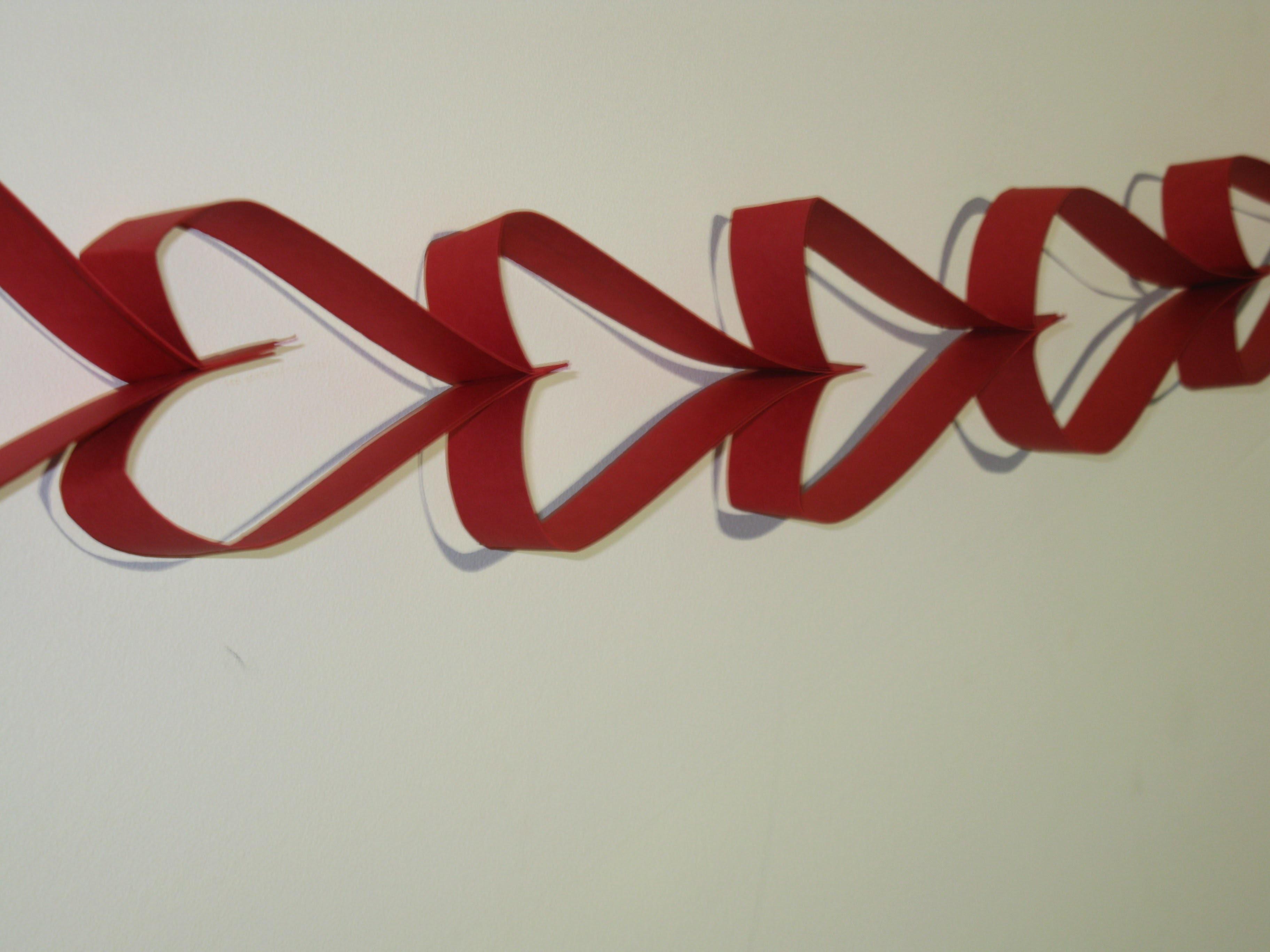 DIY:Como hacer una cadeneta de corazones para San Valentín paso a paso