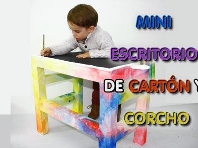 MUEBLE ESCRITORIO DE PIZARRA, CARTÓN Y POREXPÁN