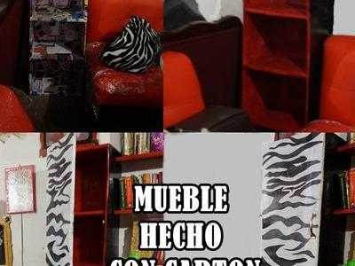 MUEBLE ROPERO HECHO DE CARTÓN