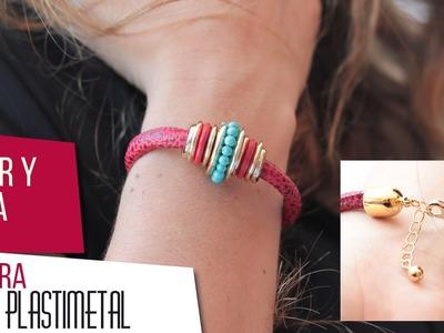 Como hacer pulsera en cuero turquesa y adornos en plastimetal Kit 26644 | VARIEDADES CAROL