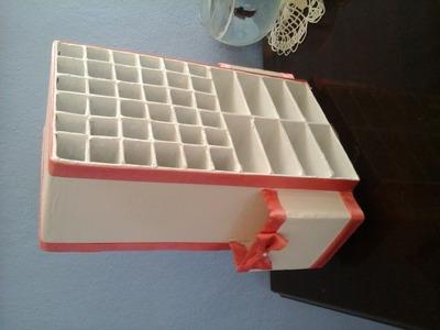 Organizador giratorio para labiales brochas y maquillaje.